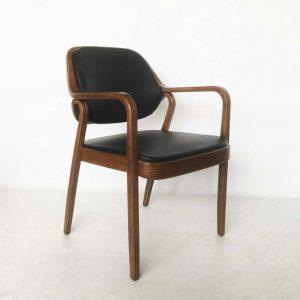 Kursi Untuk Cafe Black Leather